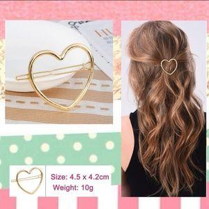 NWT Heart Shape Hair Clip